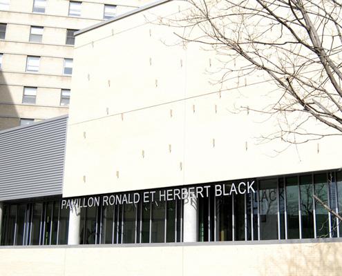 Photo du pavillon Ronald et Herbert Black qui héberge le Centre d'excellence en thérapie cellulaire