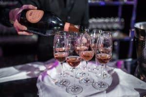 Bouteille de champagne rosé Laurent Perrier
